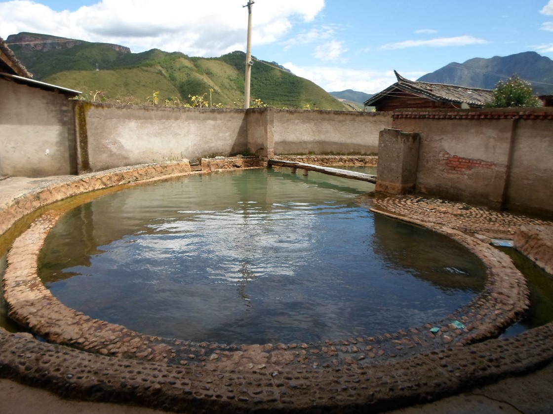 Les sources d'eau chaude sacrées libertines de Yongning