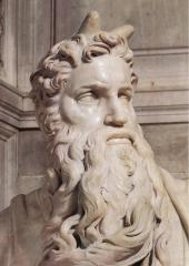 Moïse Cornu par Michel-Ange, dans la basilique Saint-Pierre-aux-Liens (Italie)