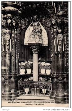 """Les """"religions"""" de Babylone la Grande. Cathc3a9drale-de-chartres-vierge-noire-du-pilier"""