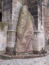 Le menhir de la cathédrale Saint Julien du Mans