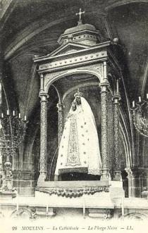 """Les """"religions"""" de Babylone la Grande. Moulins-la-cathedrale-interieur-la-vierge-noire-xiiieme-siecle-11"""